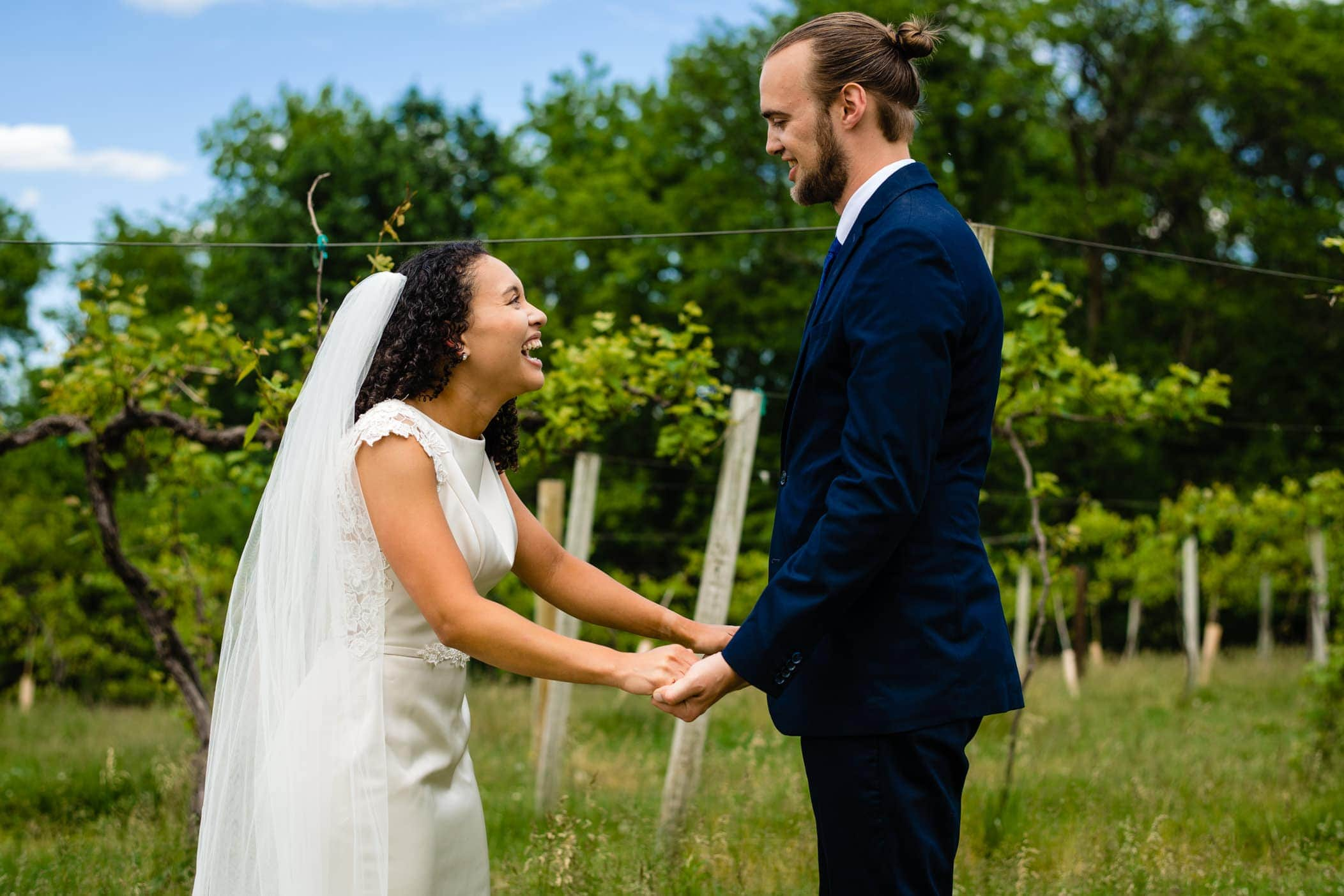 bride and groom at Summerset Winery