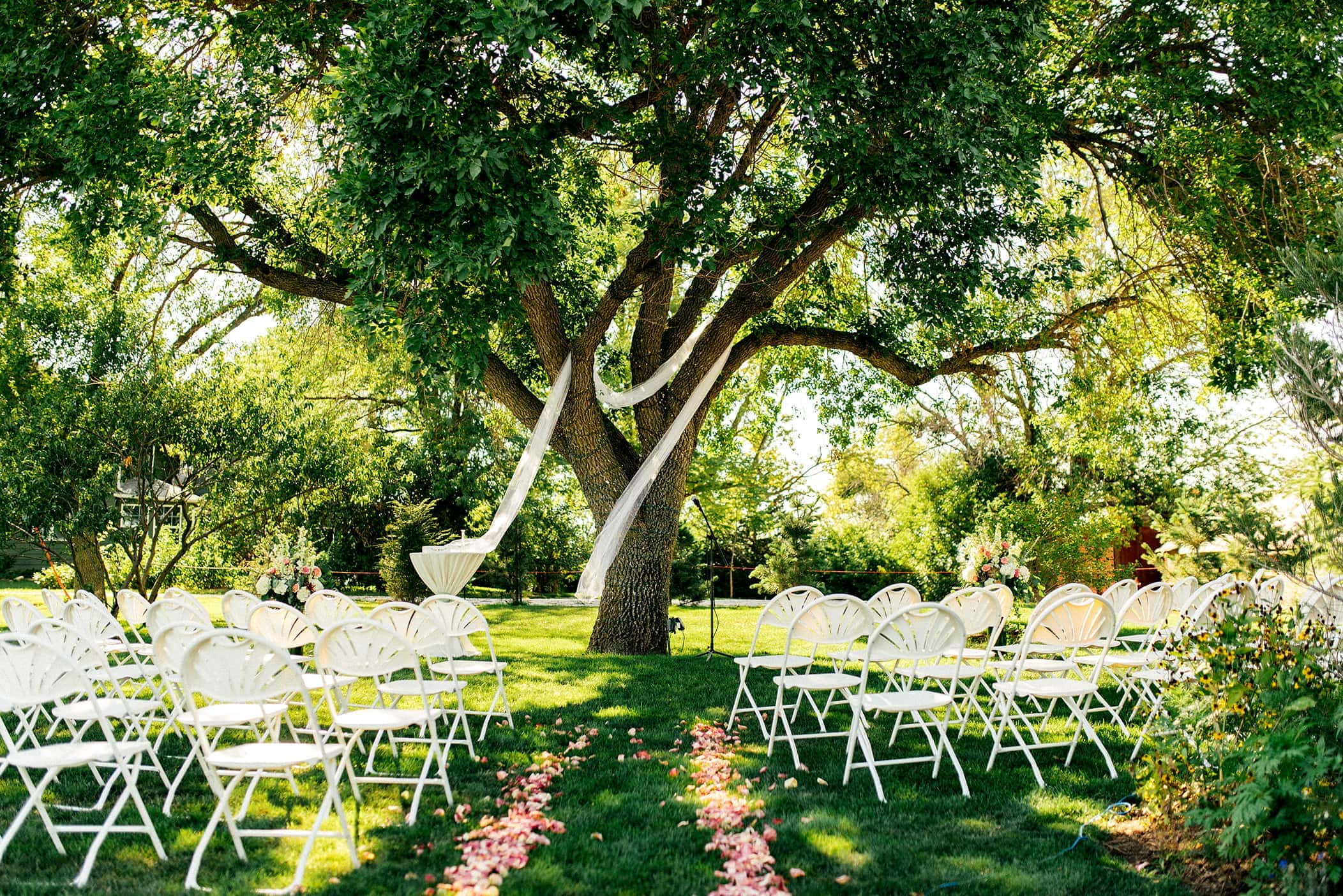 Keller Brick Barn wedding ceremony