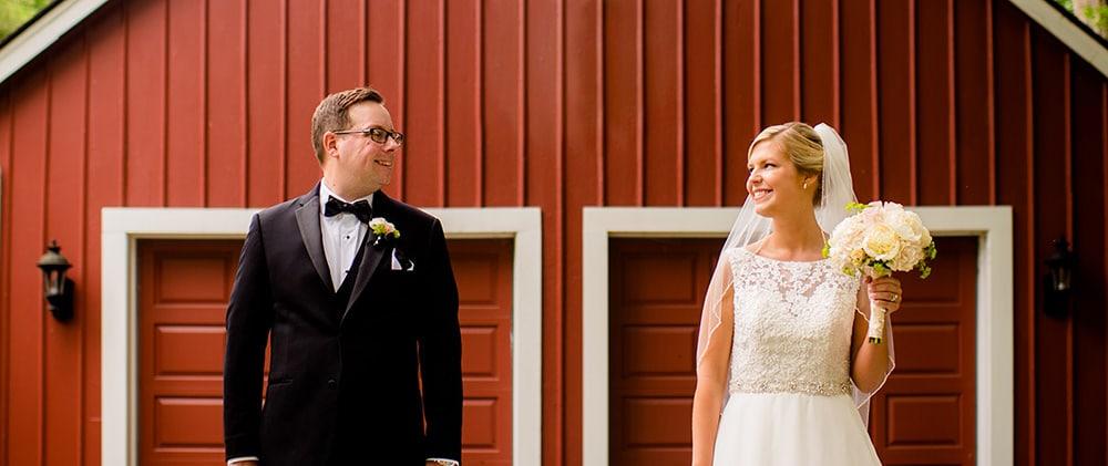 Iowa wedding venues Three Sisters Barn