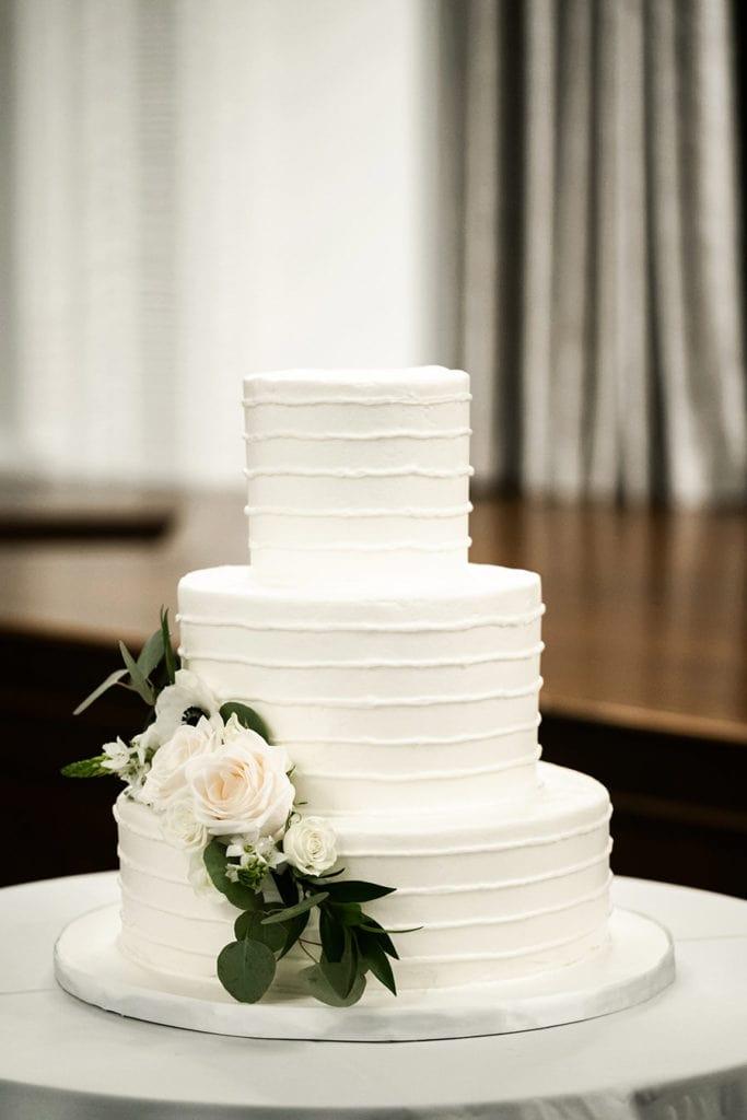 Des Moines Wedding Cakes