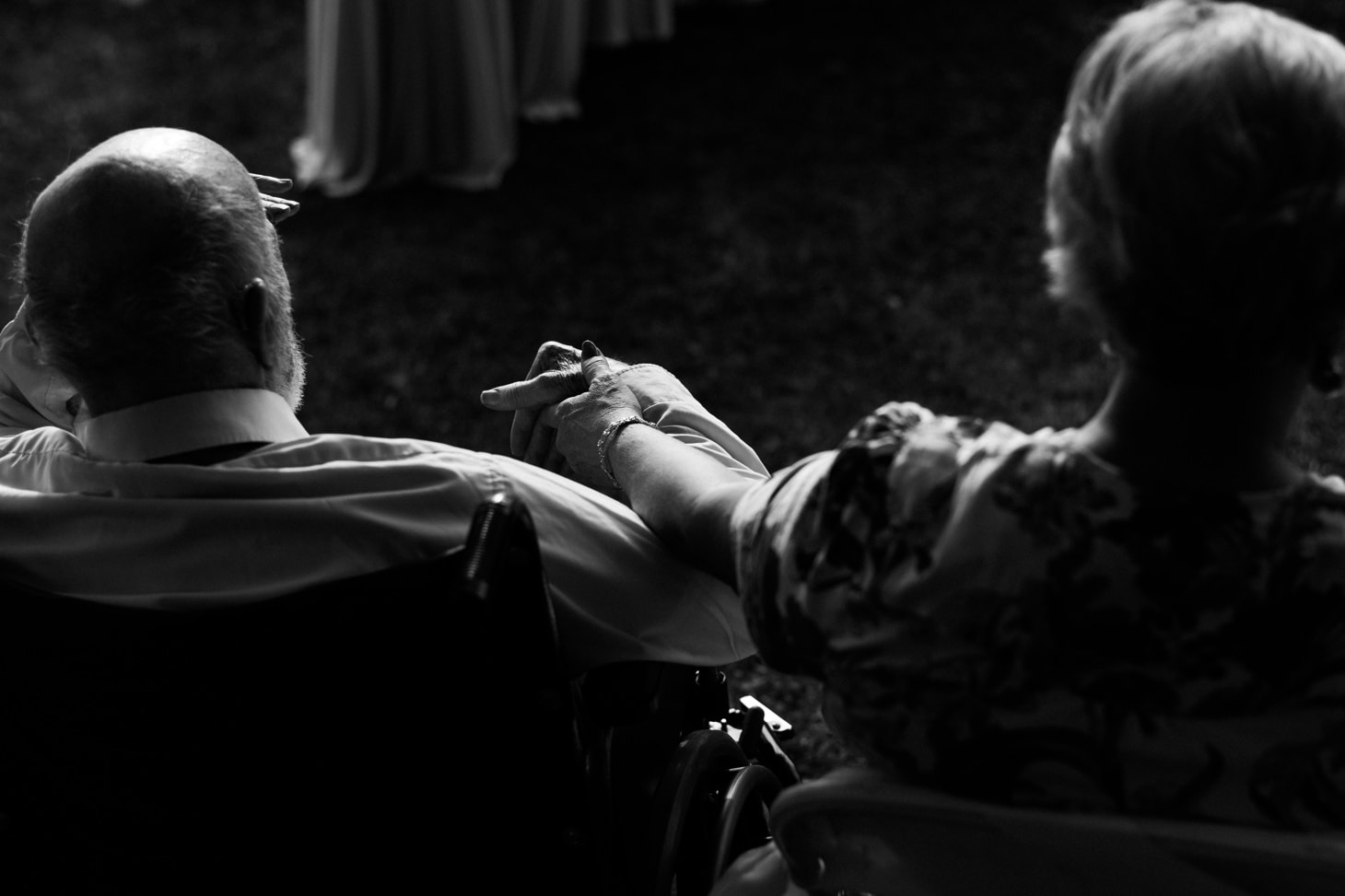 brides parents at iowa city wedding ceremony