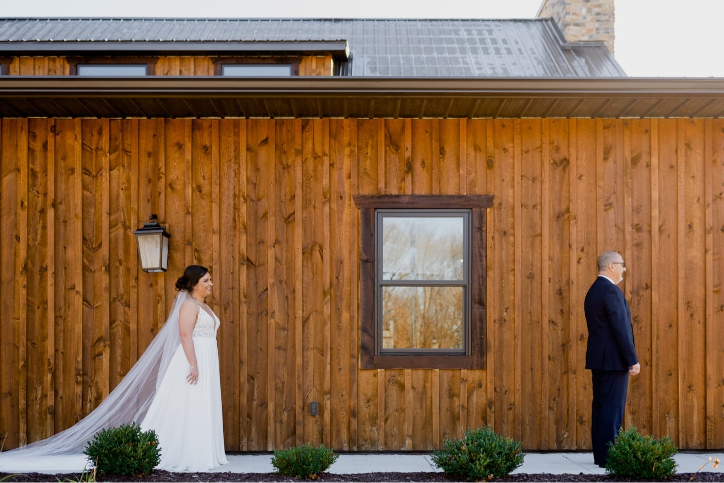 father daughter first look at country lane lodge