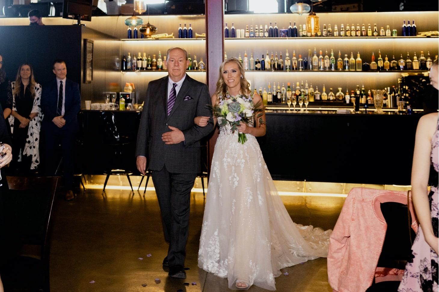 bride walking down aisle noce