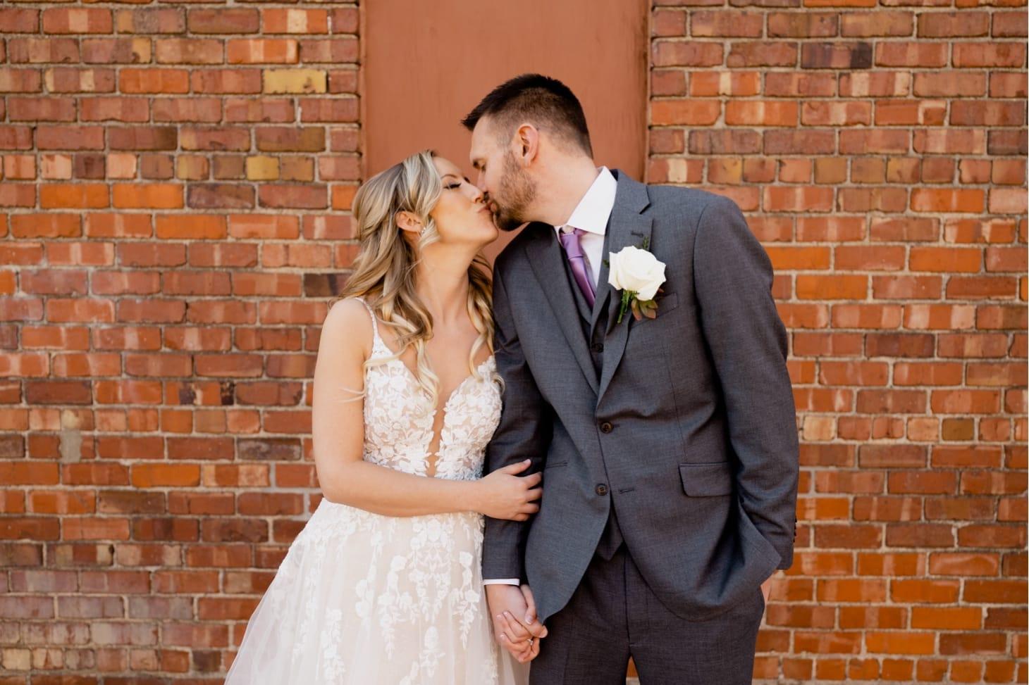 couples portrait noce jazz club wedding