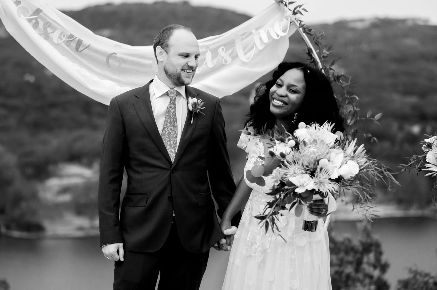 bride and groom at Mount Bonnell wedding ceremony