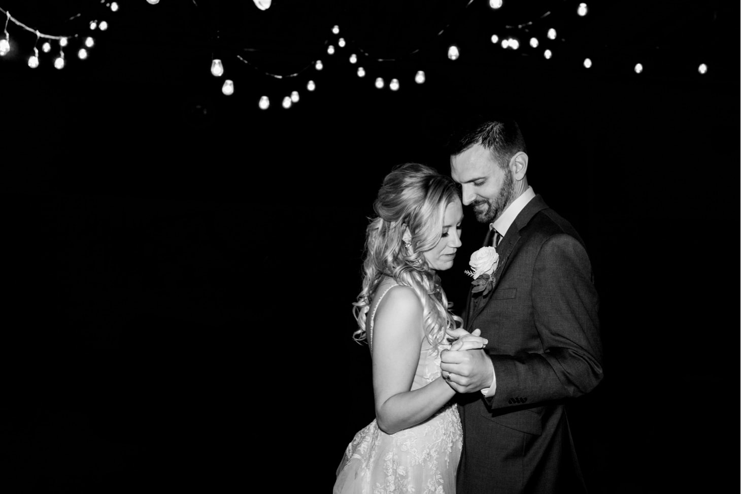 first dance downtown Des Moines wedding