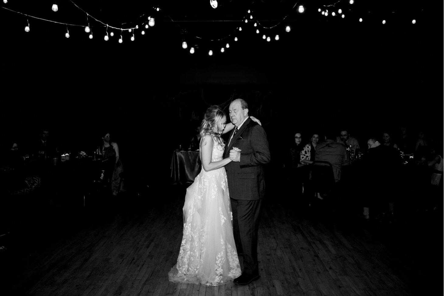 Bride with father Noce Jazz Club