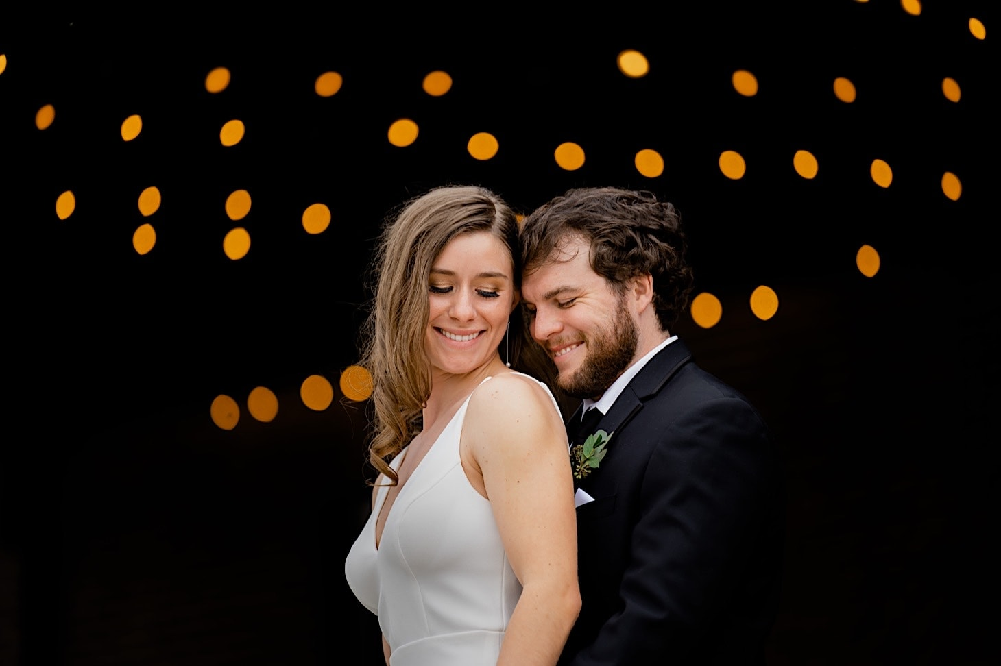 bride and groom photography downtown Des Moines Iowa