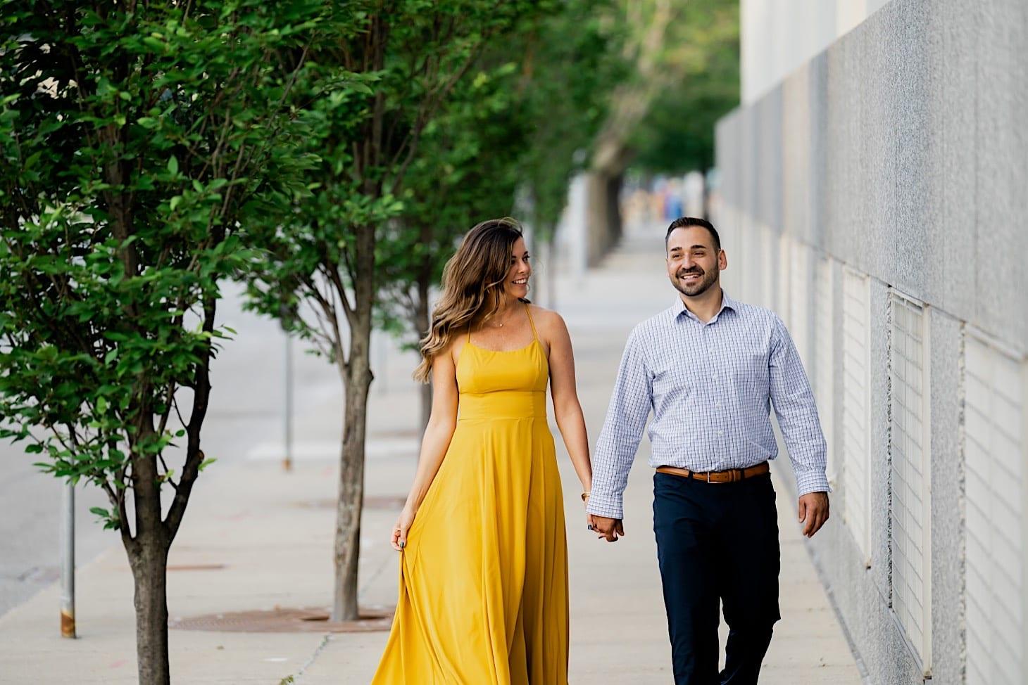 summery engagement photos