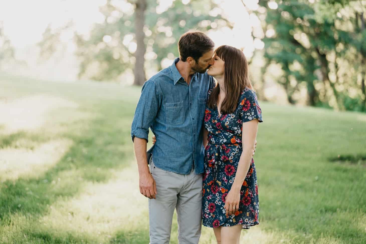 summer couples photos Iowa