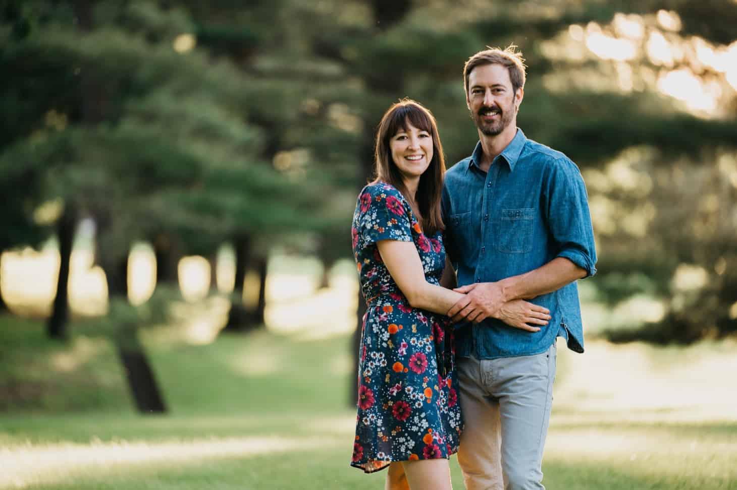 couples session outside Des Moines