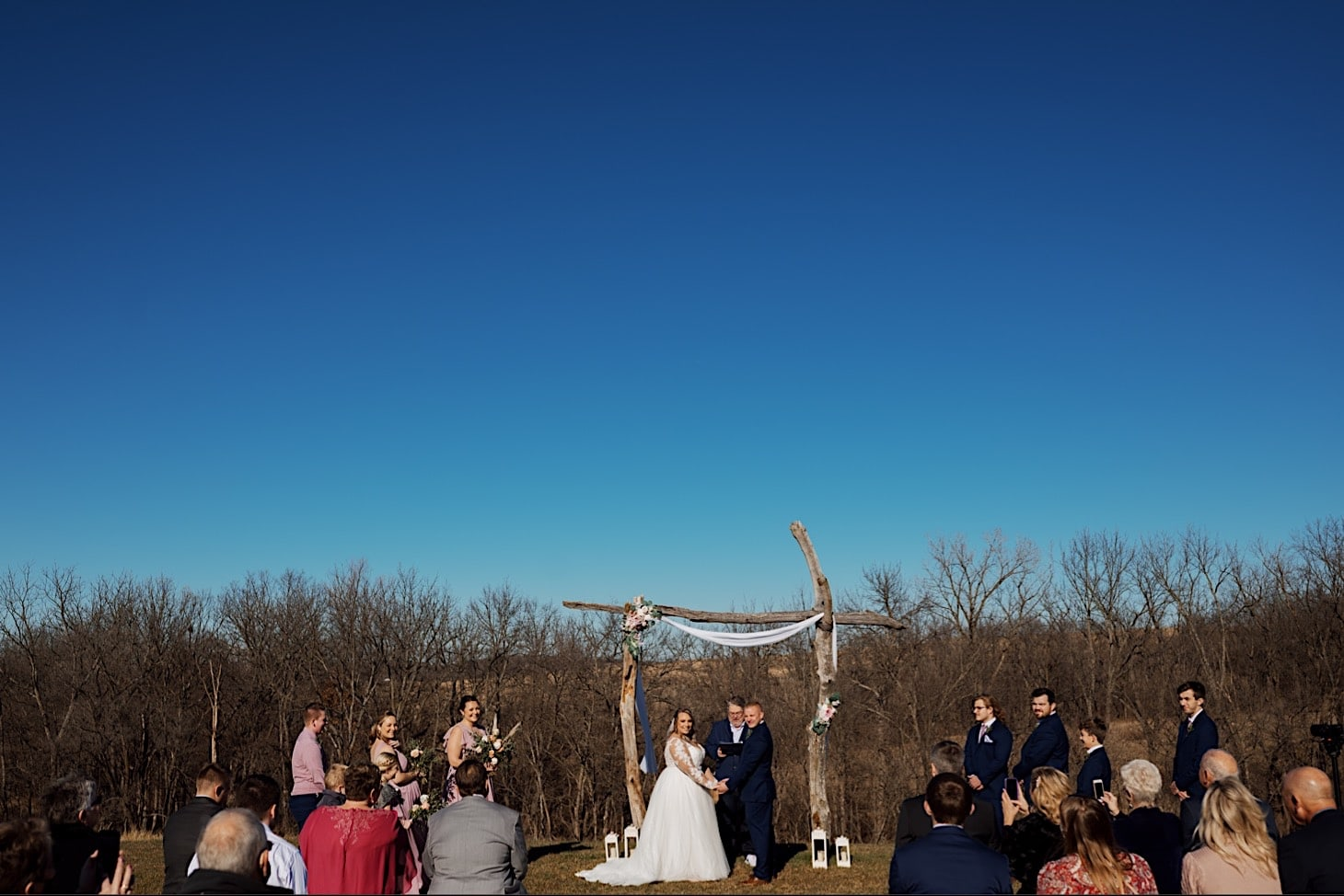ceremony photos at red acre barn des moines