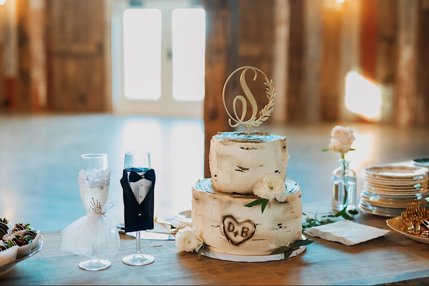 wedding cake at Red Acre Barn