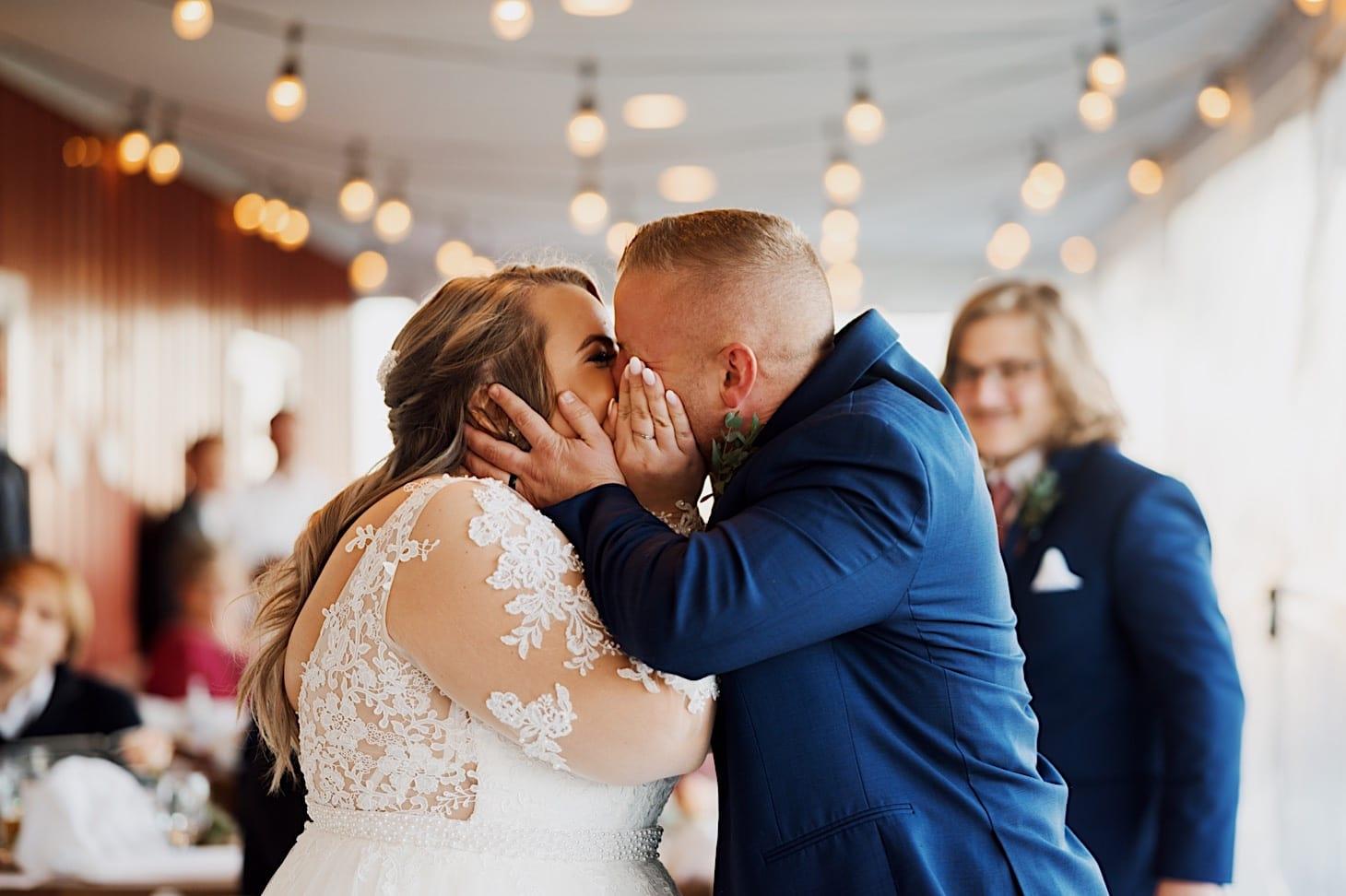 couples photo iowa wedding photographer