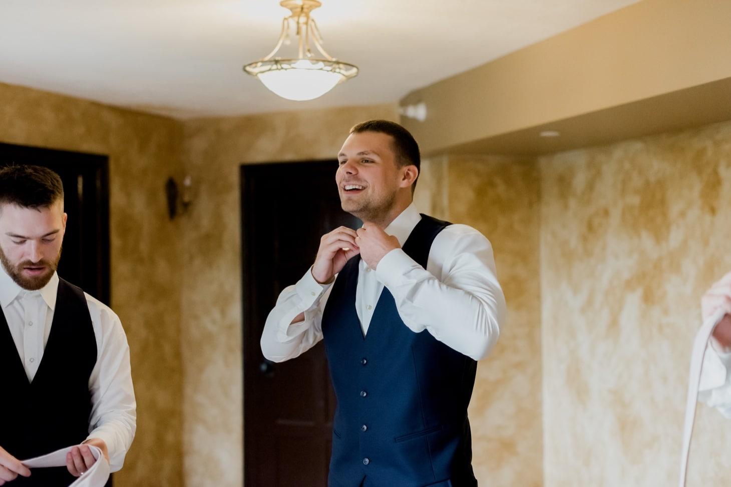 groom getting ready rollins mansion