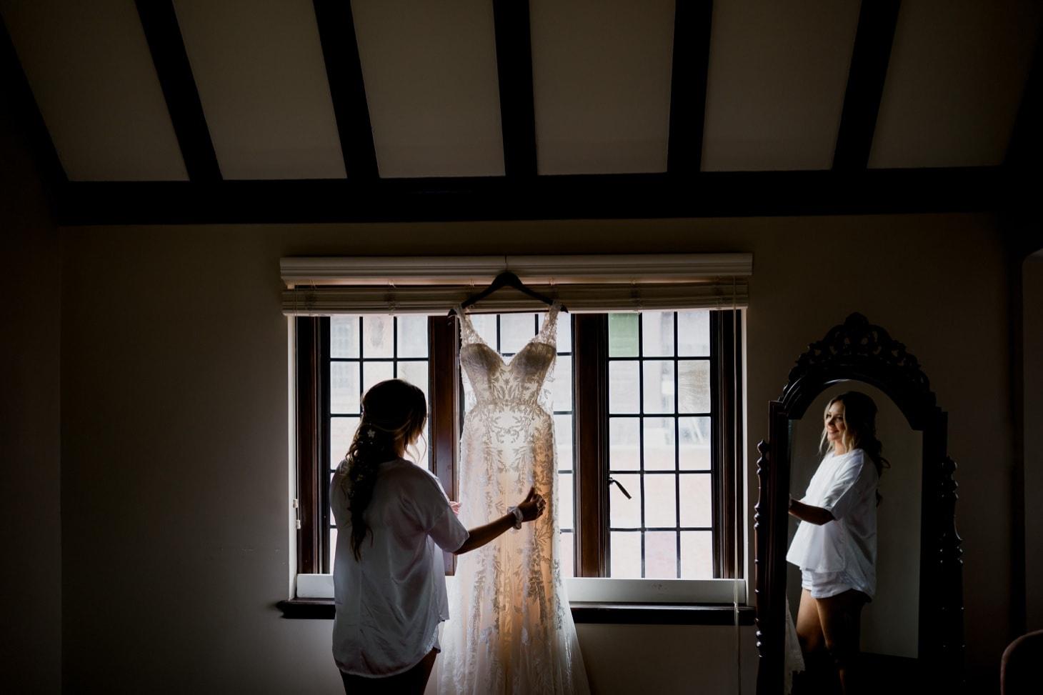 wedding dress photos rollins mansion des moines